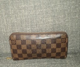 Authentic Louis Vuitton Damier Ebene Zippy Wallet - $359.99