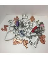 35 Assorted Metal Cookie Cutters Christmas Halloween Easter Hearts Animals - €13,09 EUR