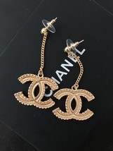 AUTHENTIC CHANEL 2017 XL GOLD CC LOGO DANGLE CHAIN EARRINGS MINT