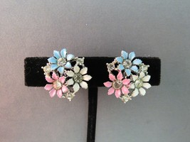 VTG Lisner Rhinestone Earrings Colored Enamel Flower Pastel Silver Rhodi... - $28.71