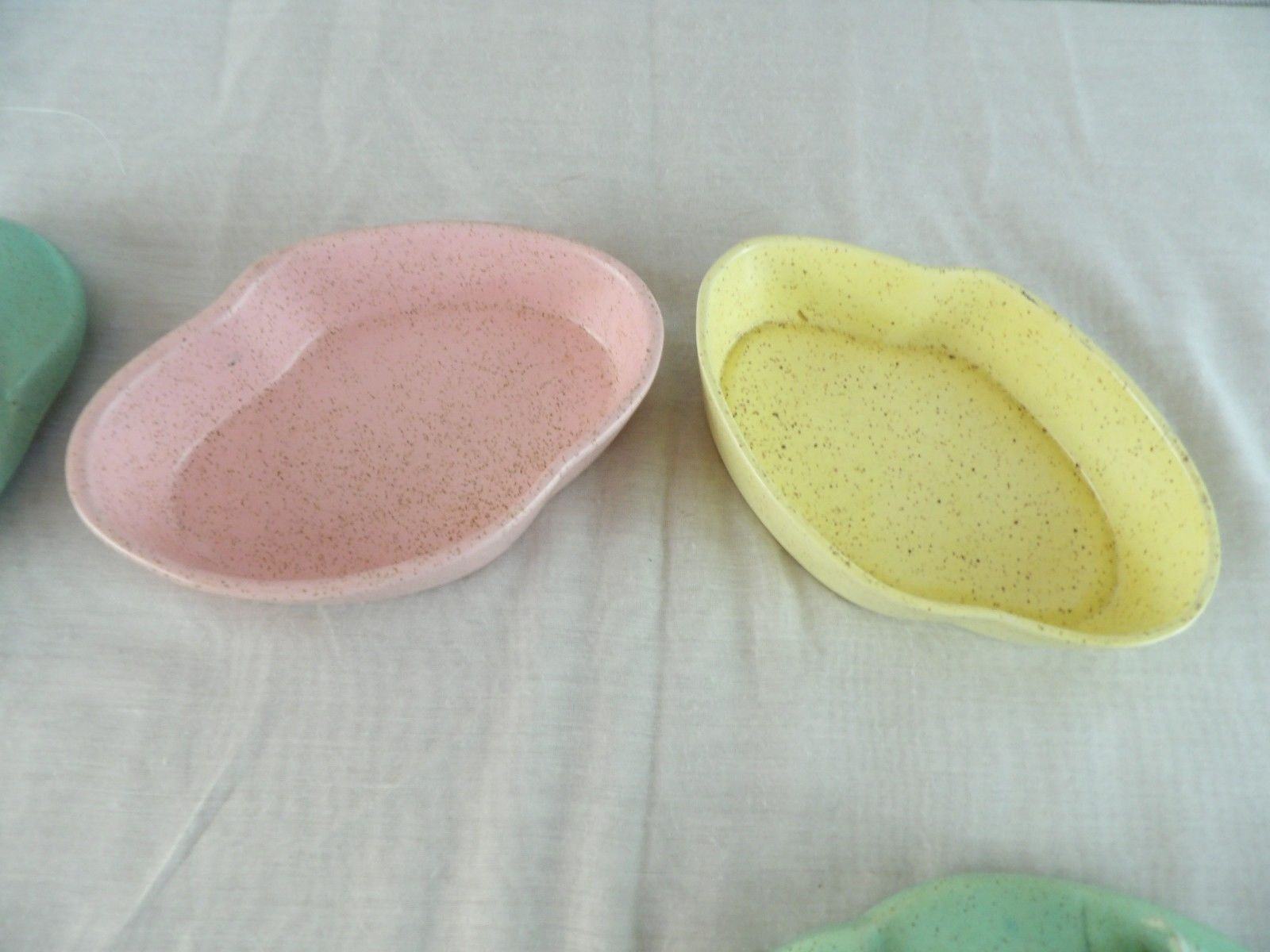 2- ENCHANTO USA  California Pottery Dresser Dish/Powder Floral Top