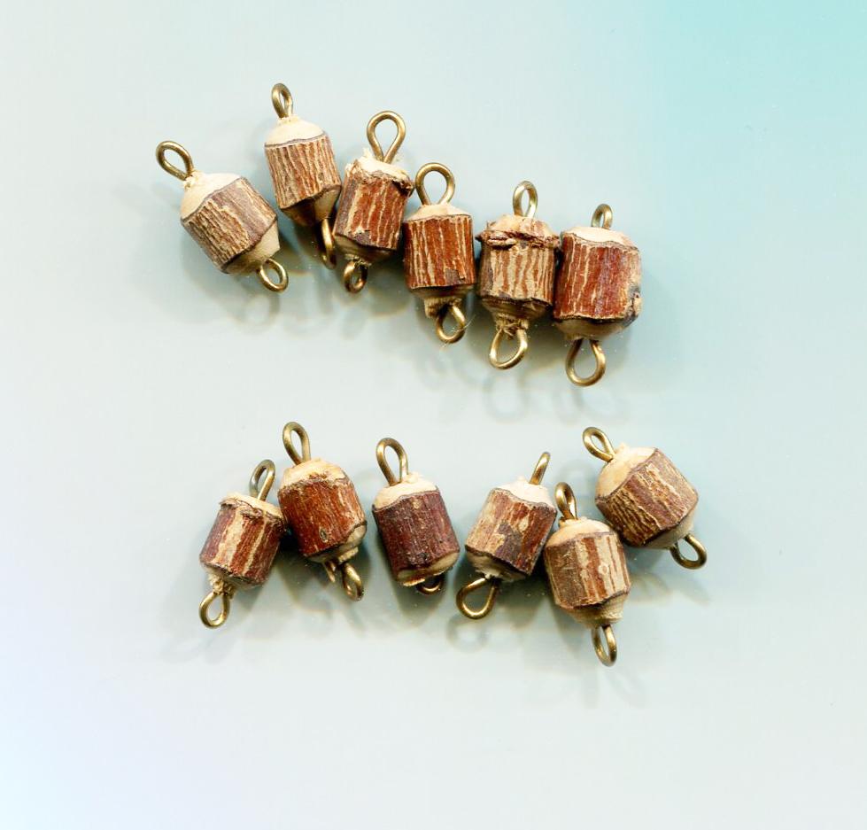12 wood tree stump charms bead drops pendants wooden lot 15mm jewelry making