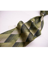Nwt   VAN HEUSEN  Green/Gray DIAMONDS 100 SILK  Necktie 426B-6 - $15.99