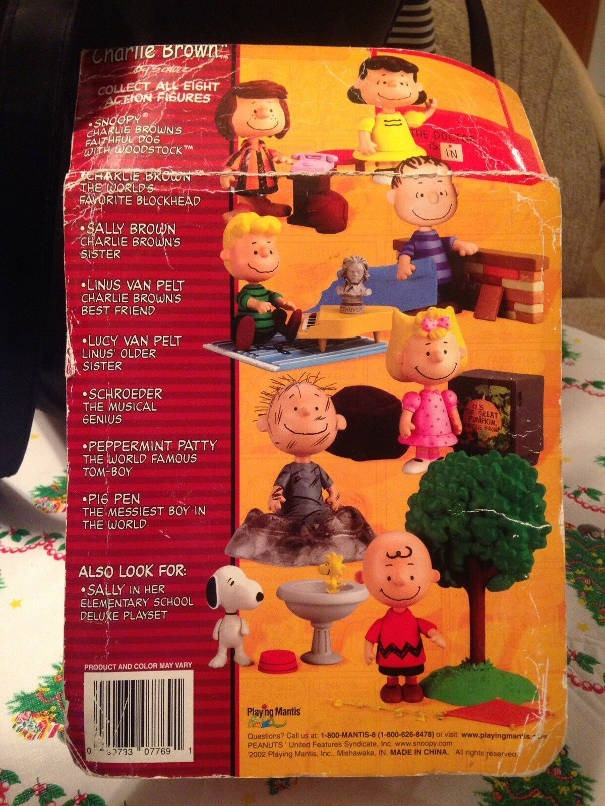 2002 Memory Lane Peanuts Great Pumpkin Charlie Brown Schroeder Playing Mantis