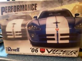 Revell '06 Viper Srt10 Performance *SEALED* Model car kit 1/25 scale - $39.19