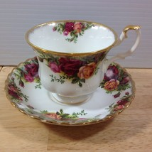Royal Albert Old Country Roses Cup & Saucer Montrose Shape Bone China En... - $28.04