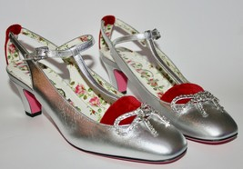 NIB Gucci Embellished Bow Metallic Velvet Heels - $395.01