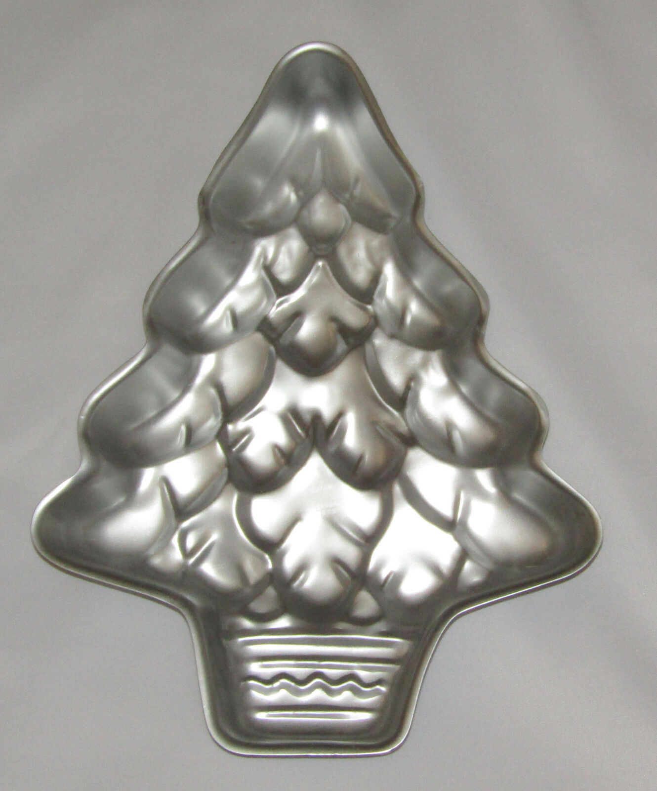 Primary image for TREE Cake Pan Wilton Vintage Christmas Holiday Celebrations