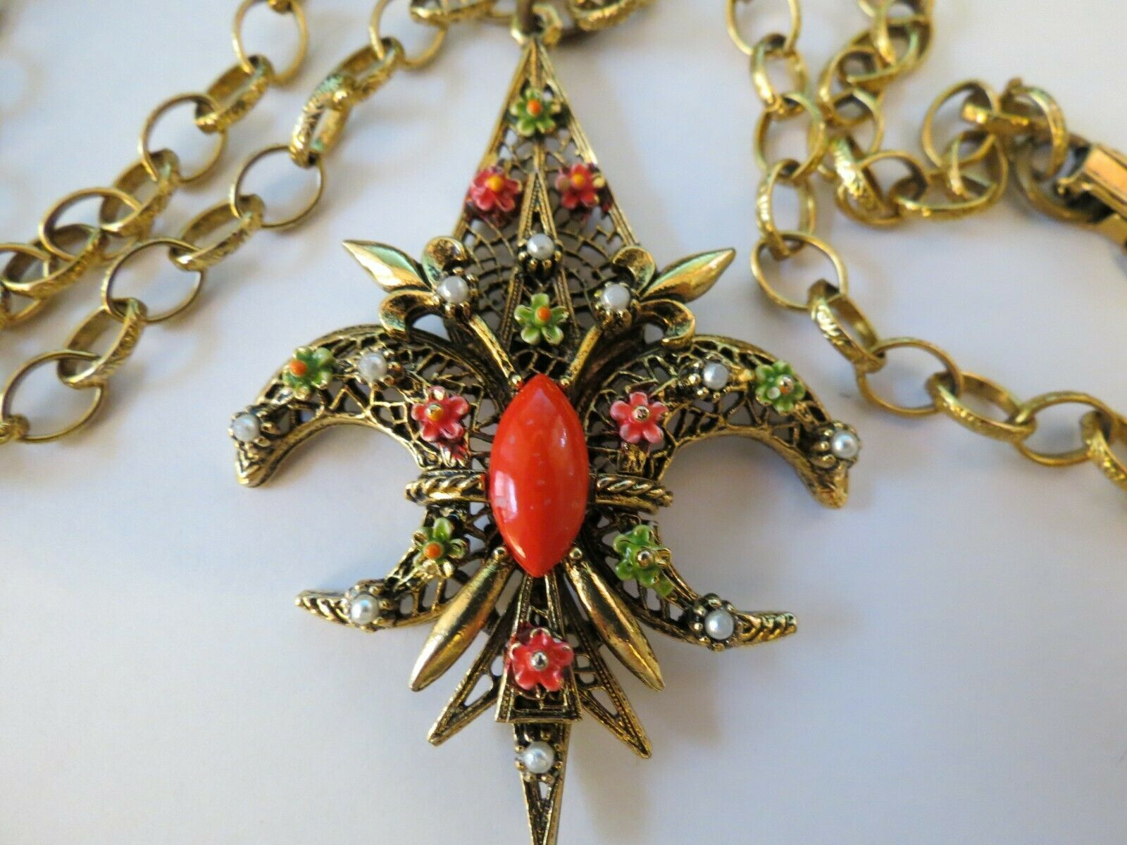 "VTG ART Fluer De Lis Pendant Necklace Enamel Flower Filigree Open Work 30"" Chain"