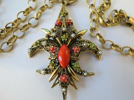 "VTG ART Fluer De Lis Pendant Necklace Enamel Flower Filigree Open Work 30"" Chain image 1"