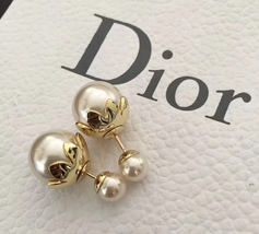 SALE! Auth Christian Dior Mise En Dior Tribal Petal Gold Double Pearl Earrings image 1