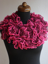 Ruffle scarf, Frilly scarf, Knitted scarf, Red scarf, Mother's Day gift - €11,03 EUR