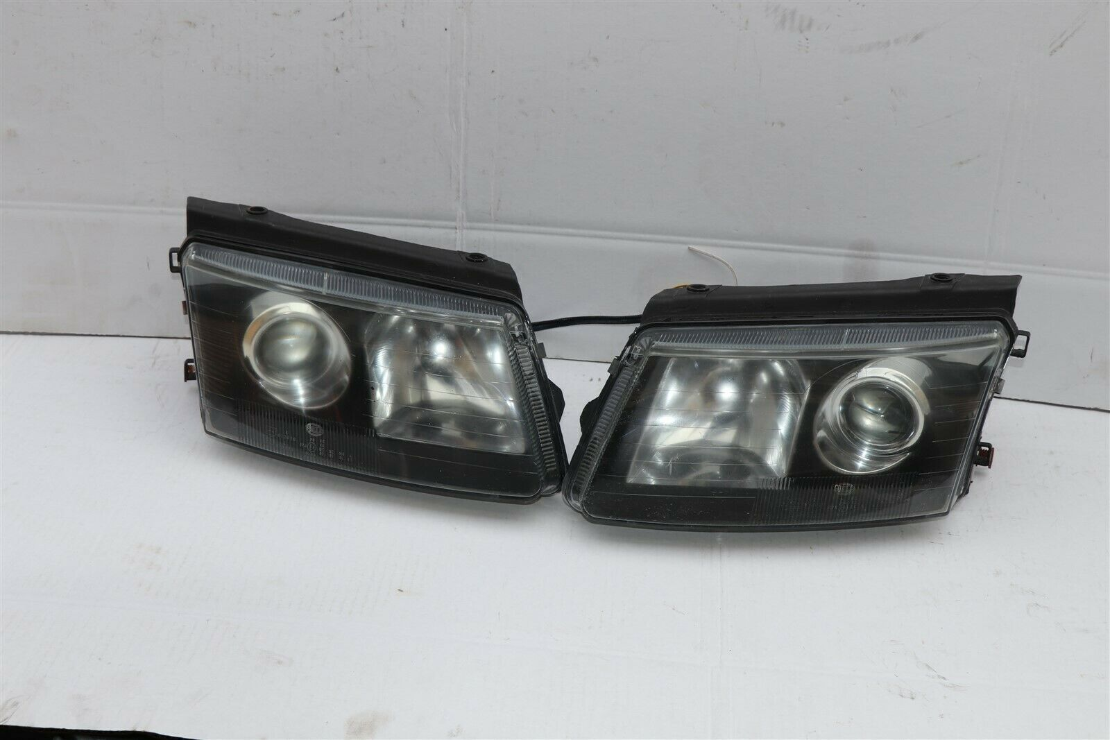 98-00 Volkswagen Passat B5 Projector Halogen Headlight Head Lights Lamps Set L&R