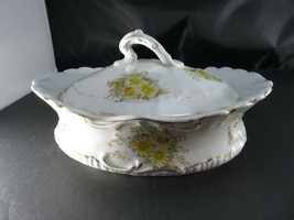 Johnson BROTHERS-ROYAL SEMI-PORCELAIN-ENGLAND Covered Serving Bowl - $20.00