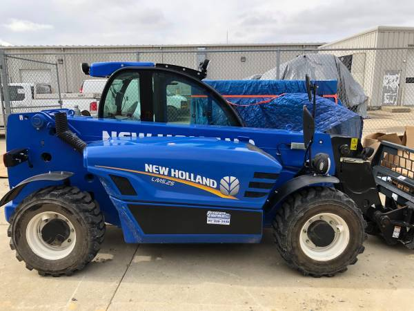 New Holland LM5.25 Telescopic Handler For Sale In Lebanon, IN 46052