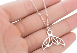5 pieces of geometric whale tale silvery necklaces (XL370B) - $15.80