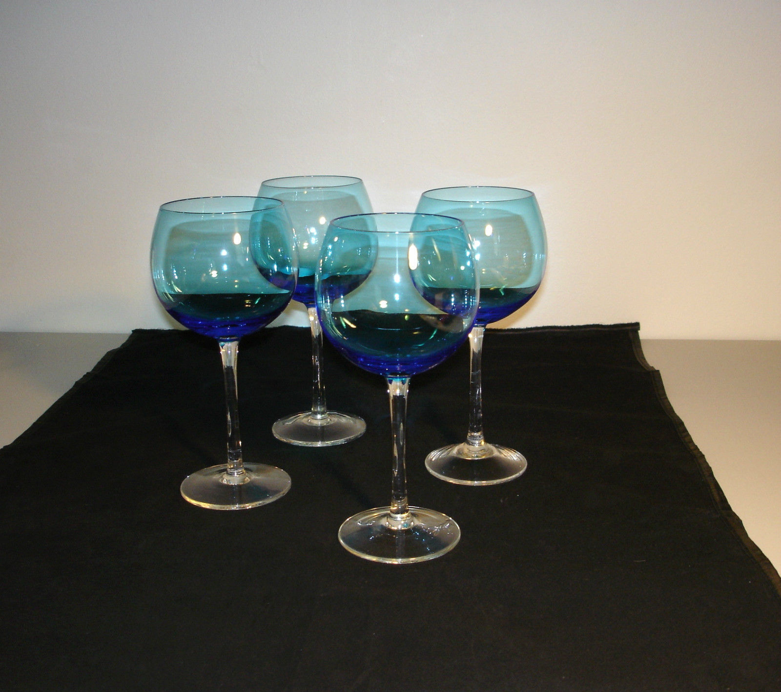 "Set 4 Wine Water Stemmed  Glasses Blue & Clear 9"" Tall"
