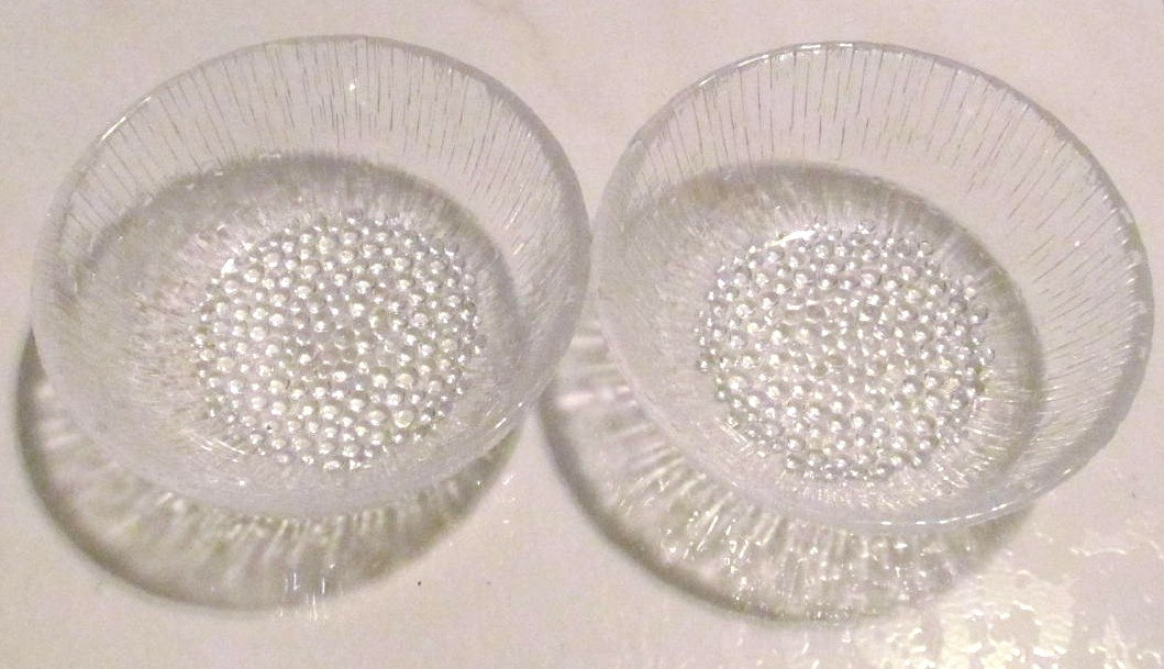 Vintage (2) Anchor Hocking Sereno Style Heavy Large Glass Serving Fruit Dishes