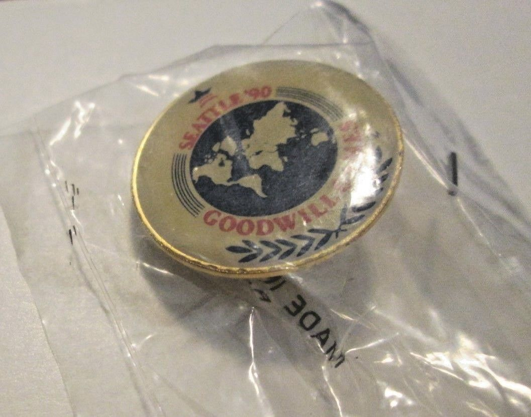 1990 SEATTLE GOODWILL GAMES pinback lapel pin MIP