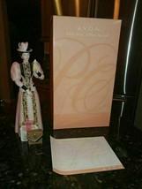 Vintage 2004 Mrs. Albee Porcelain Figurine Avon Presidents Club Award w/Box - $27.32