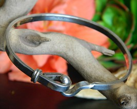 Vintage Mexico Sterling Silver 925 Clasp Bangle Bracelet Signed ATI - $54.95