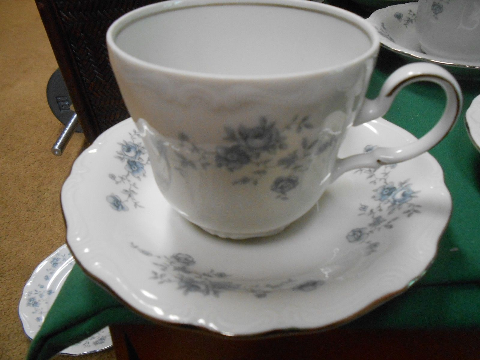 JOHANN HAVILAND Traditions BLUE GARLAND 7 CUPS & SAUCERS 1 FREE Saucer-Thailand