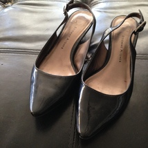 women's black patent leather shoes heeled shoes size 8 by Etienne Aigner beautif - $24.99