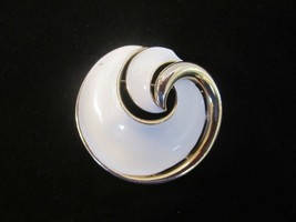 Authentic Vintage Gold Tone white enamel 1950's swirl round  Trifari Brooch Pin  - $26.68