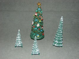 Mr. Christmas Holiday Skaters 1995 Replacement Part: Christmas Tree + 3 ... - $14.00