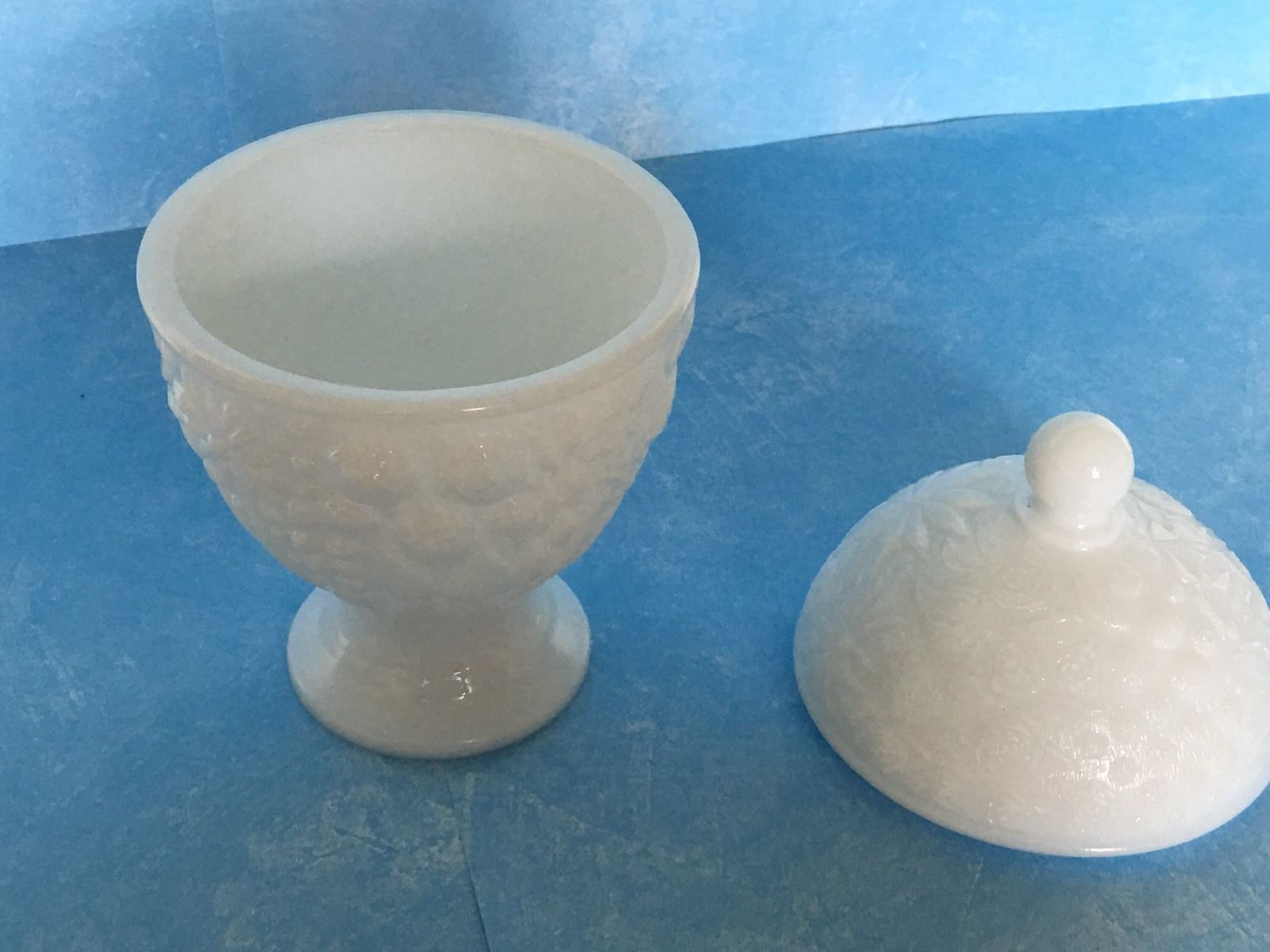 """Vintage Ceramic Hen On Nest Trinket or Candy Dish 4.25/"""" Wide"""