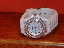 Pre-Owned White Geneva Fashion Rhinestone Analog Watch - $8.91