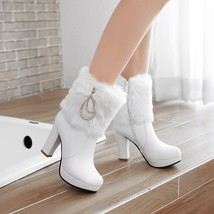 83B007 elegant buckles & pearl chain snow booties US Size 4-8.5, white - $1.136,57 MXN