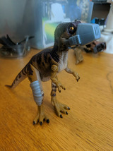 1997 Kenner Jurrasic Park Raptor + trainer in hat Toy Action Figure - $19.79