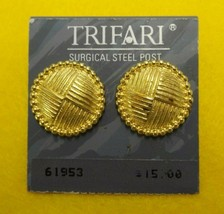 VINTAGE ROUND CIRCLE TRIFARI GOLD TONE EARRINGS WEAVE BEADED SURGICAL ST... - $9.49