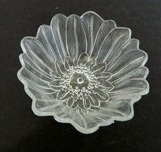 Indiana Glass Lily Pons Crystal Clear Glass Deep Nappy Bowl Vintage - $12.86