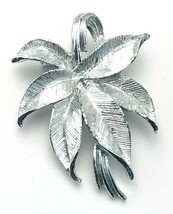 Vintage Gerry's Etched Silver Tone Poinsettia Flower Leaf Cluster Brooch... - $17.82
