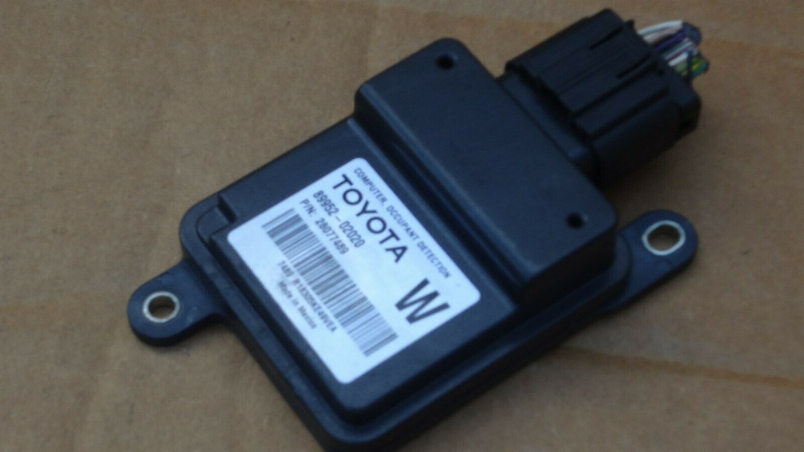 Toyota Seat Occupant Detection Sensor Module Computer 89952-02020