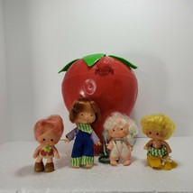 Vintage 1979 1980 Strawberry Shortcake Case With 4 figurines American Gr... - $48.37