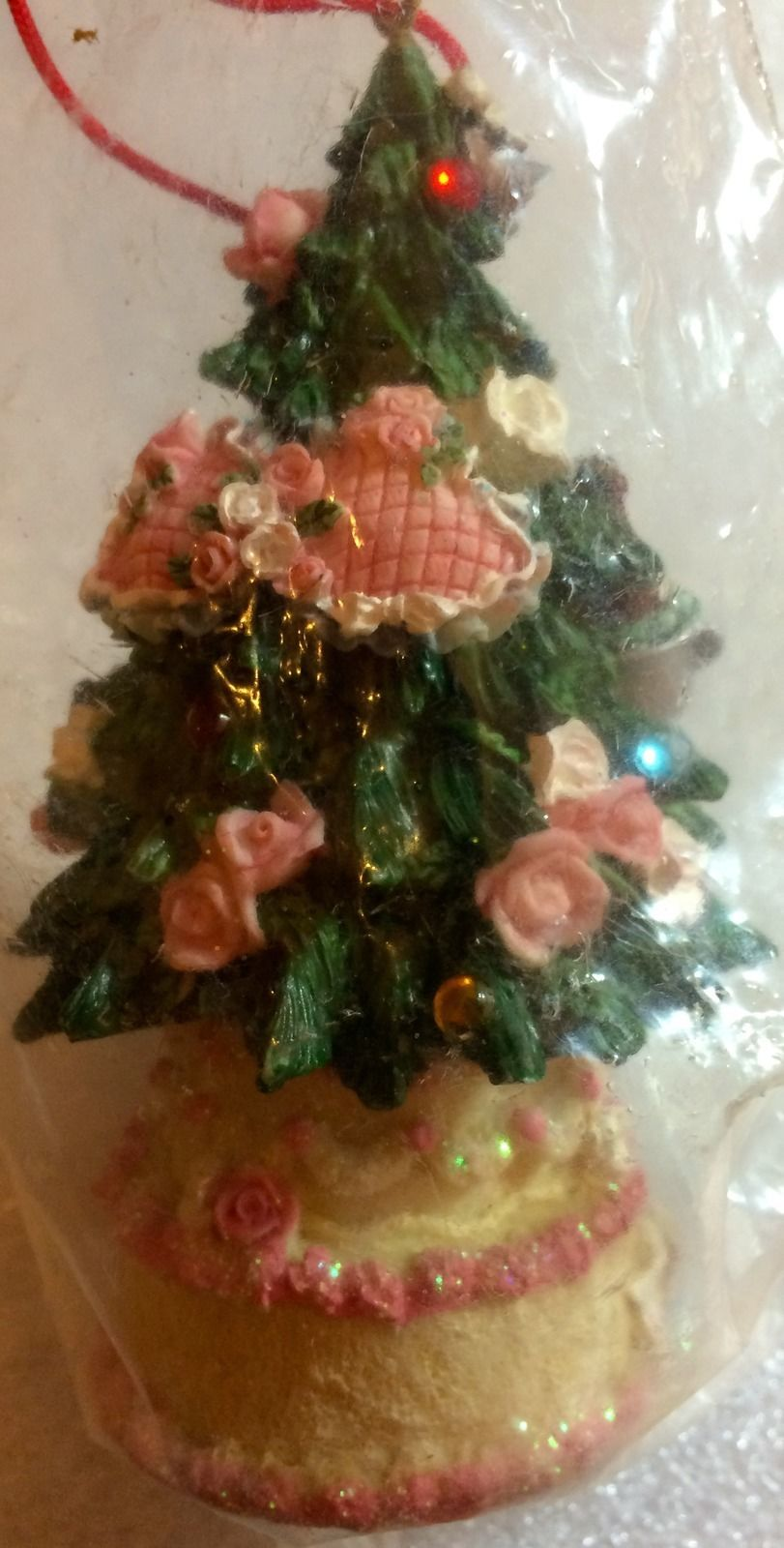 DOLLHOUSE MINIATURE PINK HEARTS AND ROSES CHRISTMAS TREE #DH4901