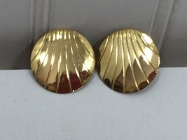 Vintage Gold Tone Clip On Disk Button Earrings Large 24200 - $8.01