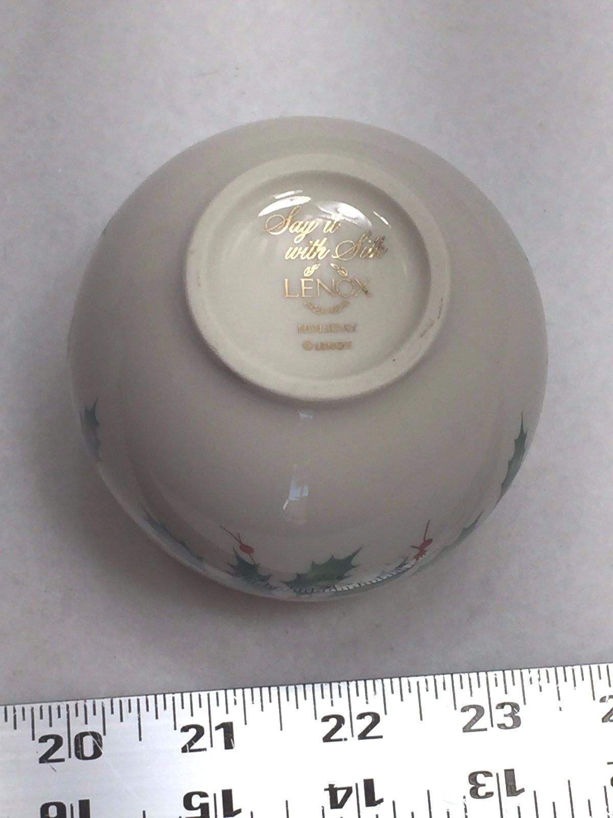Lenox Porcelain Holiday Holly Votive Candle Holder Say it with Silk 22229