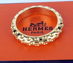 AUTHENTIC HERMES PARIS * EX LARGE * SIMPLE DESIGN SCARF RING IN BOX - $246.51