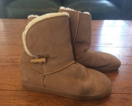 Women's Size 6 Bjorndal Suede Short Shearling Boots Good Shape (32) - $24.14