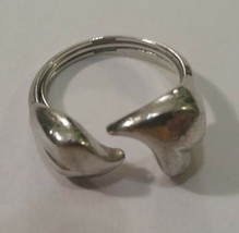 Vintage AVON Silvertone Ladies Ring Size 7.5 - $14.35