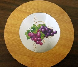 "1 Natural Bamboo Heat Pad, Kitchen Decor, ENGRAVED GRAPES, ROUND, approx.7"" - $7.91"