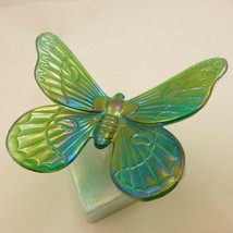 RARE NOS WESTMORELAND Green Iridescent Glass BUTTERFLY on Sea Mist Branc... - $31.77