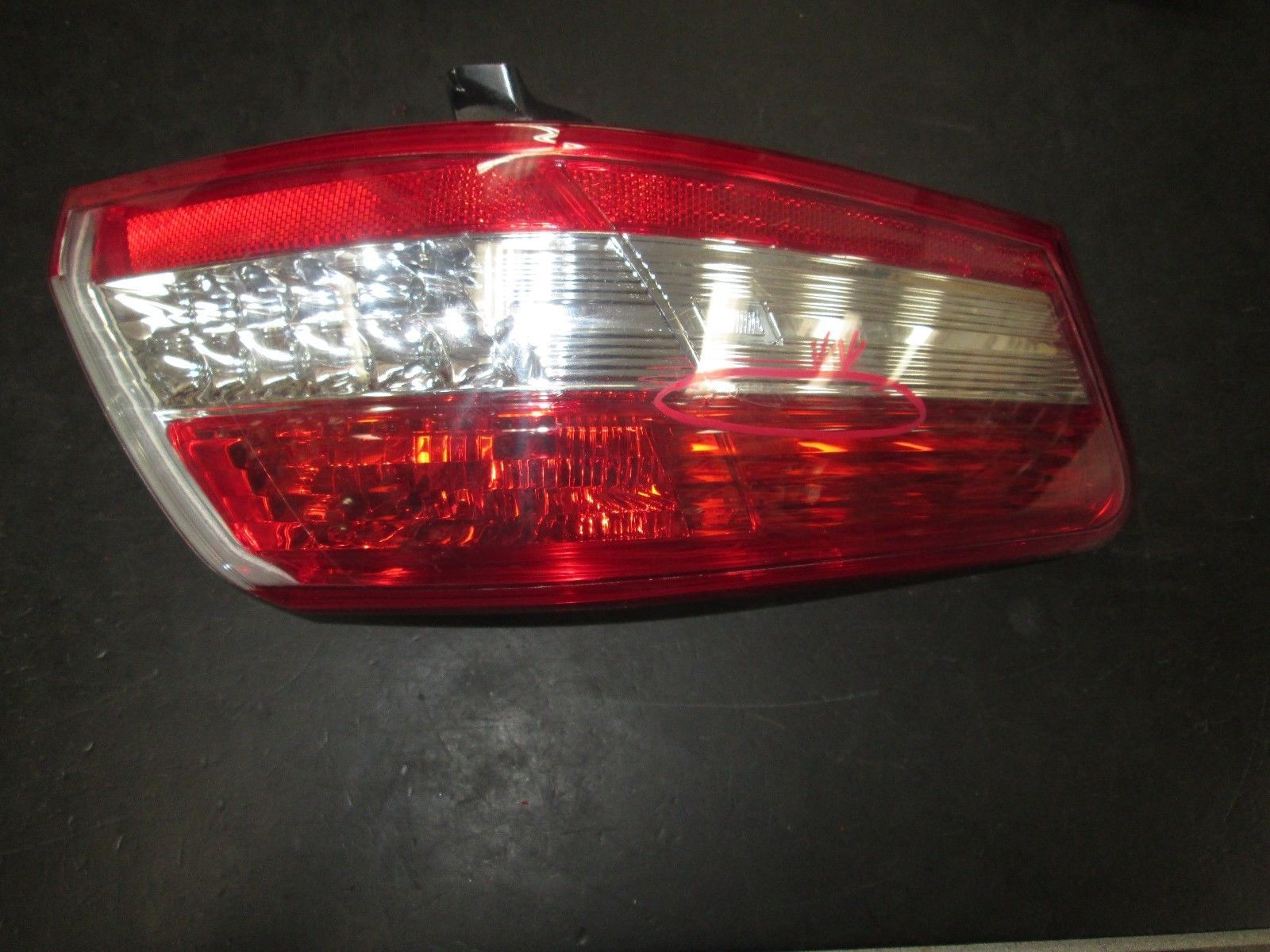 Primary image for 10 11 TOYOTA CAMRY LEFT DRIVER SIDE TAIL LIGHT