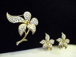 WHITE Enamel n Gold Flower BROOCH Pin w Clip EARRINGS Open Work Estate V... - $18.80