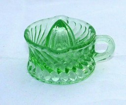 Swirl Pattern Green Glass Juicer Small One Piece Reamer Retro Depression... - $12.00