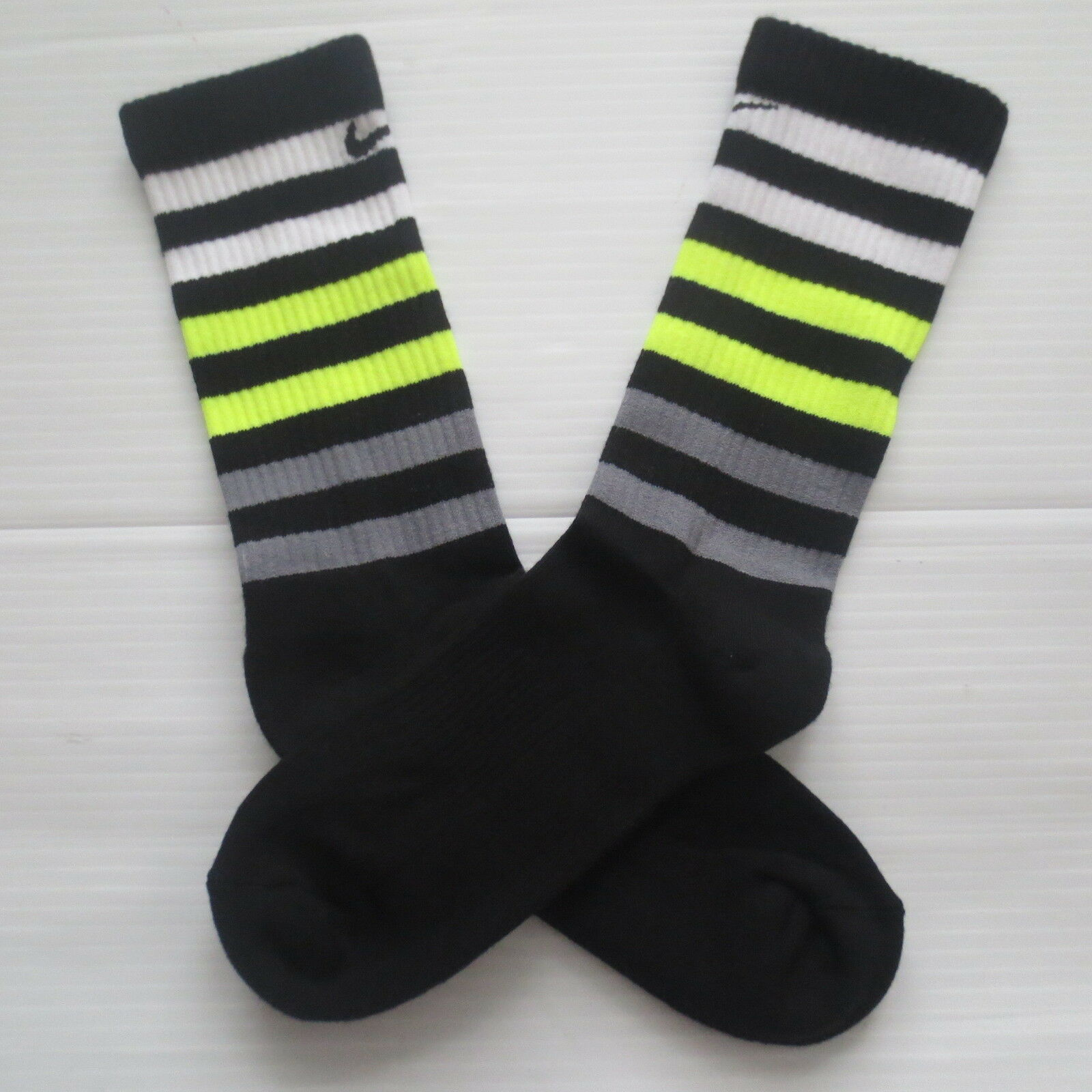 Nike Youth Performance Crew Socks - SX5815 - Black - Size M - NEW